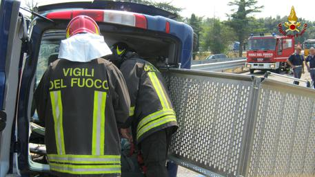A fuoco tir nell'Avellinese: chiusa A 16