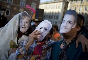 Gli Indignados a Roma per 'Il Carnevale del Sistema'