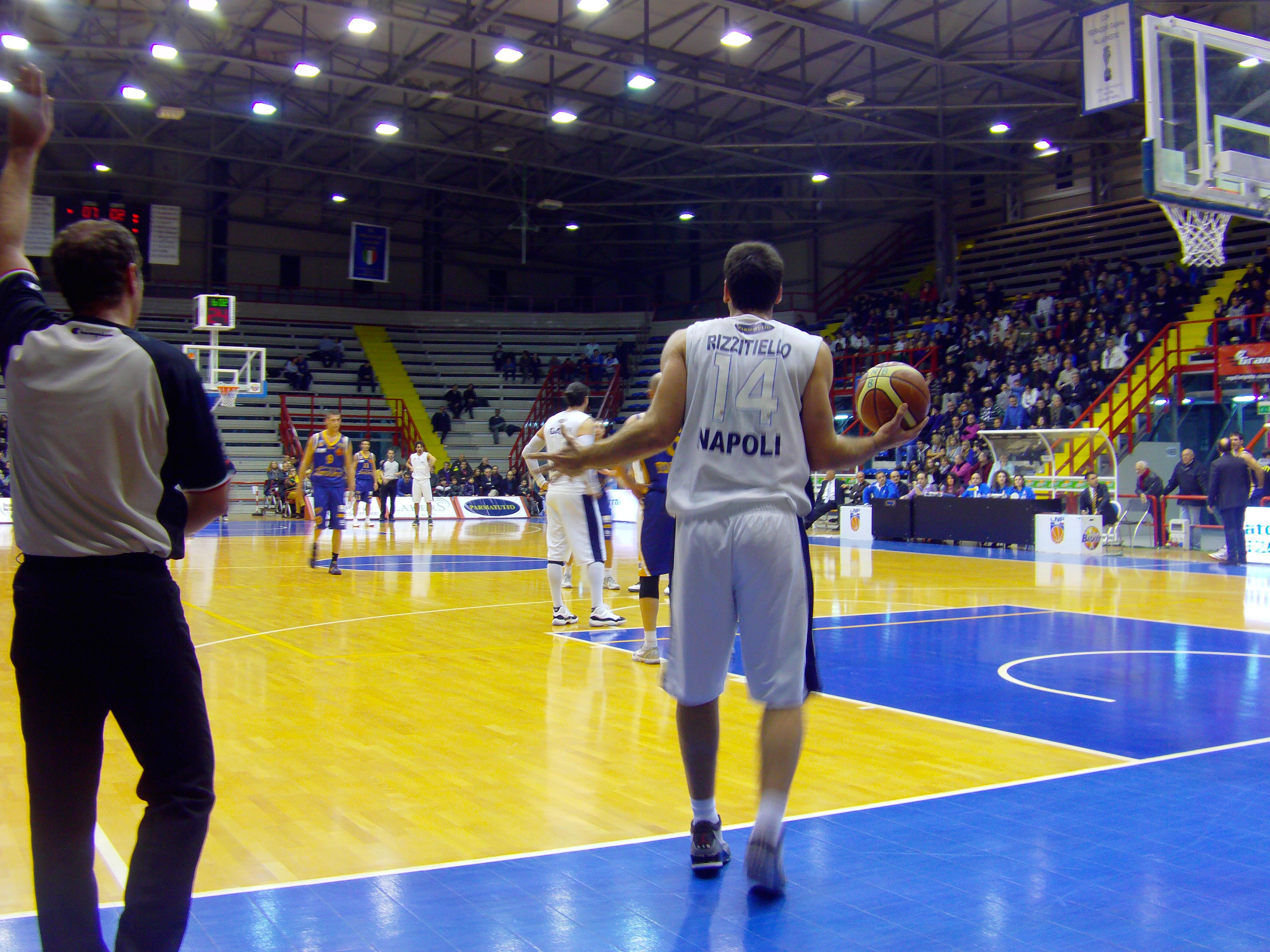 BPMed Napoli Basket-Zerouno Torino 58-50. Napoli sempre più capolista!