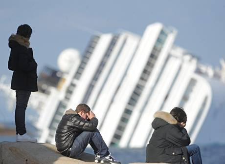 ISOLA DEL GIGLIO - Sale il bilancio del naufragio della Concordia
