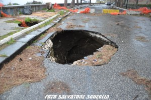 Road Tv Italia denuncia: voragine lungo Viale Virgilio