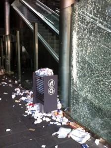 Stazione Sepsa di Montesanto, un tappeto di rifiuti