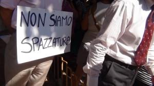 Manifestazione contro il sito di compostaggio di Scampia