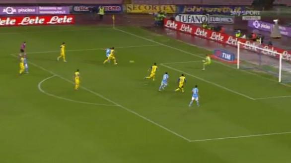 Napoli batte la sua bestia nera, 1-0 sul Chievo