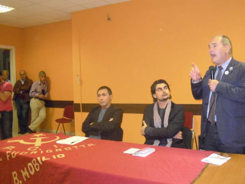 """Paolo Ferrero presenta il suo libro, """"Pigs, la crisi spiegata a tutti"""", a Bagnoli"""