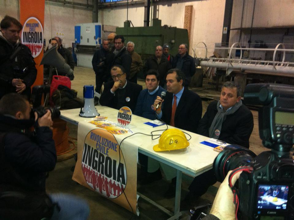 Rivoluzione Civile con Ingroia a Napoli con De Magistris; i candidati Ruotolo, D'Angelo, Di Luca, Attanasio ed altri