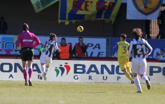 La Vecchia Signora risponde al Napoli: Chievo-Juventus 1-2