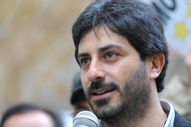 Il Movimento 5 stelle sceglie un napoletano alla Camera: è Roberto Fico