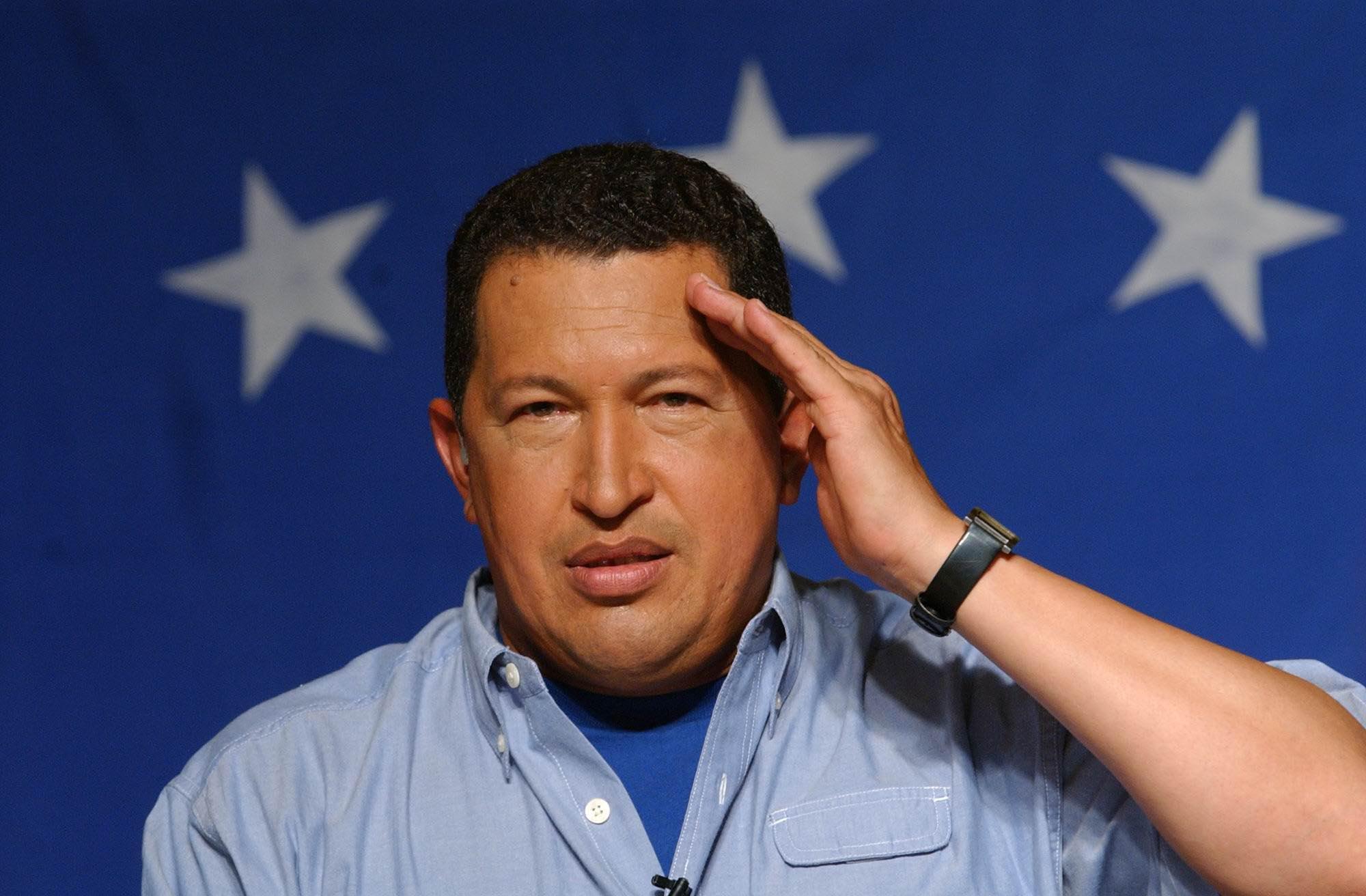 E' morto Hugo Chávez, vittima di un complotto americano! ¡Hugo Chávez víctima de una conspiración americana!