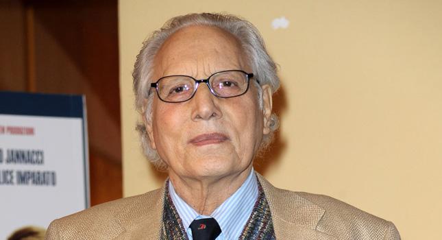 Muore Enzo Jannacci. Un altro cantautore italiano se ne va.