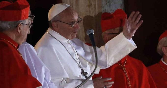 Papa Francesco celebra la prima messa