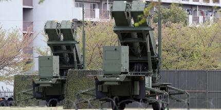 Le turbe non hanno fine: il Giappone carica batterie anti-missile Patriot e la Corea del Nord lascia a casa 53.000 operai