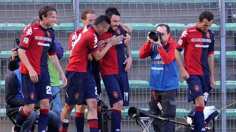 Cagliari-Inter 2-0: Pinilla affonda l'Inter.