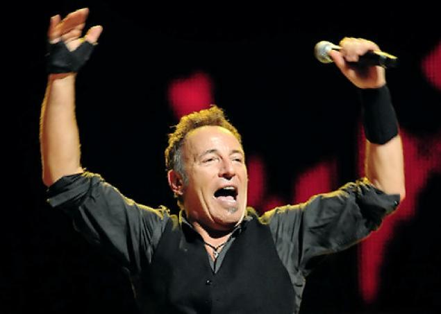 Bruce Springsteen a Napoli. Video ed interviste ai fan