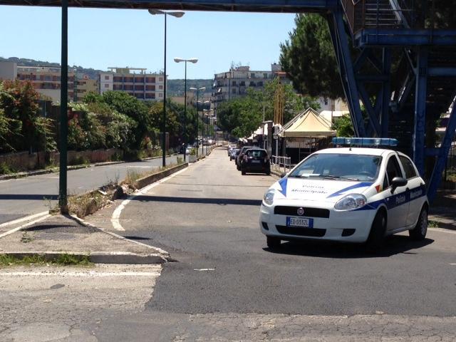 """Paura per gli alberi """"pericolosi"""" a Napoli (VIDEO)"""
