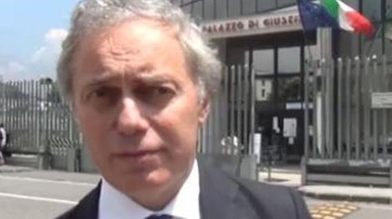 """Continua la battaglia degli avvocati di Napoli contro chiusura tribunali. Caia: """"Attendiamo rinvio legge"""" (VIDEO)"""