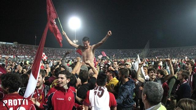 Calcio on the road: tra mercato e campionato. Livorno ritorna in A