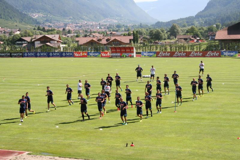 Dimaro 2013: seduta di allenamento mattutina per il Napoli