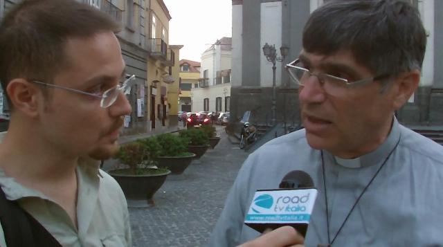 Associazioni e cittadini in piazza a Giugliano contro i roghi tossici (VIDEO)