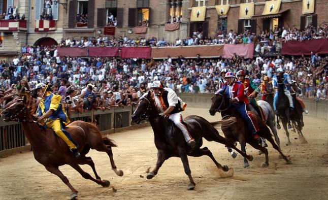 Speciale vacanze: il Palio di Siena, tradizione secolare (VIDEO)