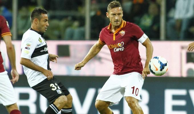 Napoli raggiunto dalla Roma in classifica, decisivo il 3-1 col Parma