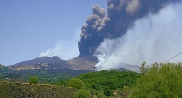 Etna: una nuova fase eruttiva