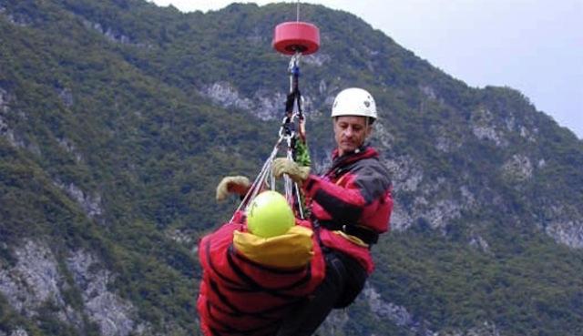 Tragedia ad Ancona: Alpinista morto ed una donna ferita