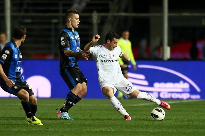 Fiorentina cinica a Bergamo: Mati Fernandez e Rossi stendono i nerazzurri 2-0