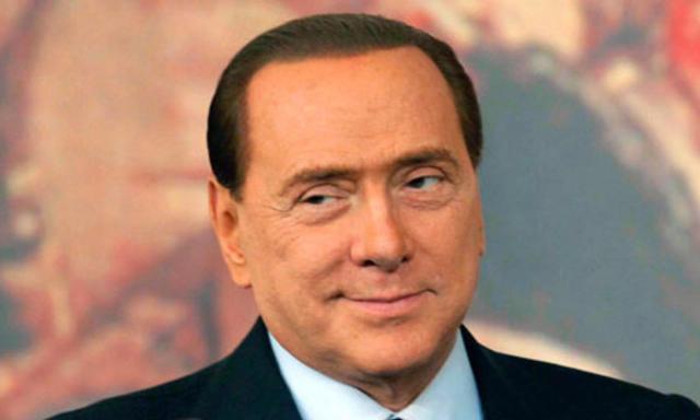 Berlusconi: Io sarò sempre con voi decaduto o no