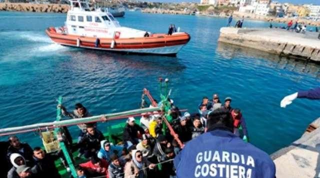 Siracusa: Intercettato motopesca con a bordo 350 siriani