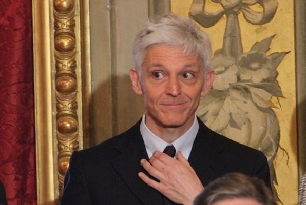 Teatro San Carlo: il Ministro Bray chiede di non sospendere la prima