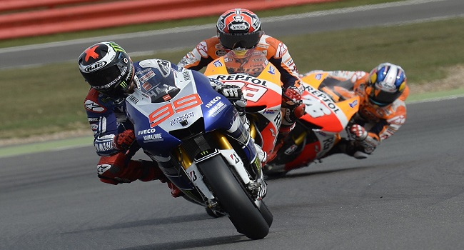 Motogp, Gp di Aragon: vince Marquez davanti a Lorenzo. Rossi 3°