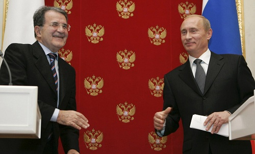 """Putin e la battuta su Berlusconi: """"Se fosse stato gay..."""""""