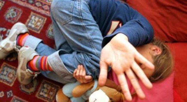 Violenze familiari: chiede aiuto su Facebook per fermare il padre