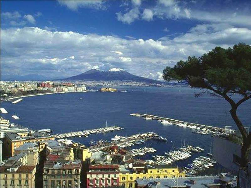 """Napoli, il Sole oscurato da un pessimismo """"24 Ore"""""""