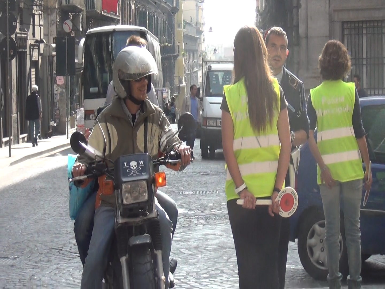 Napoli, tornano da lunedì i 28 blocchi alla circolazione auto