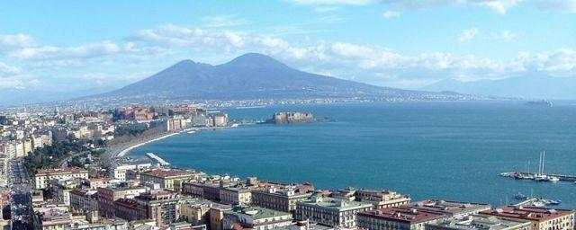 Napoli come Venezia (e oltre). Il mare minaccia le città costiere