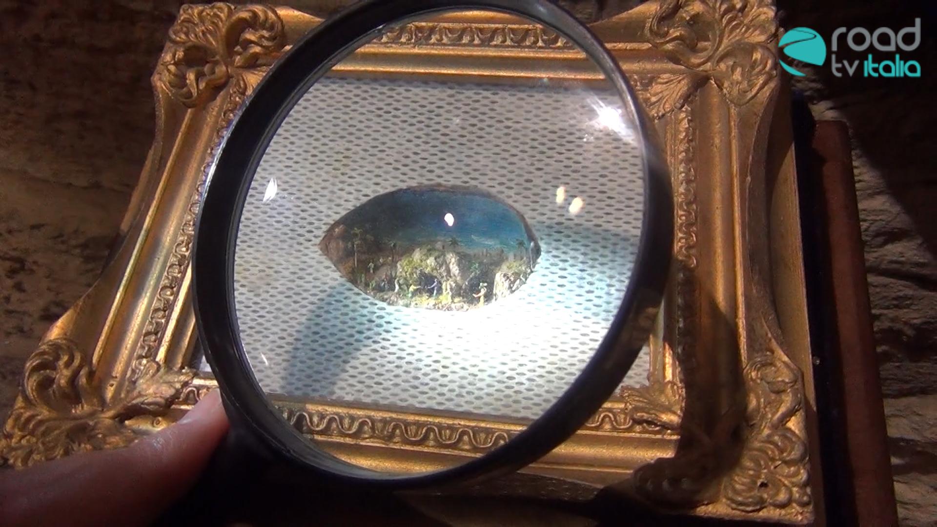 Presepi da Guinness, a Napoli la prima personale di don Antonio Esposito, il mago della miniatura (VIDEO)