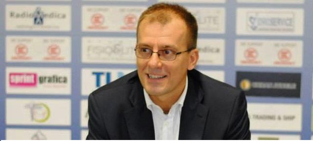 Basket, Demis Cavina non è più l'allenatore di Napoli