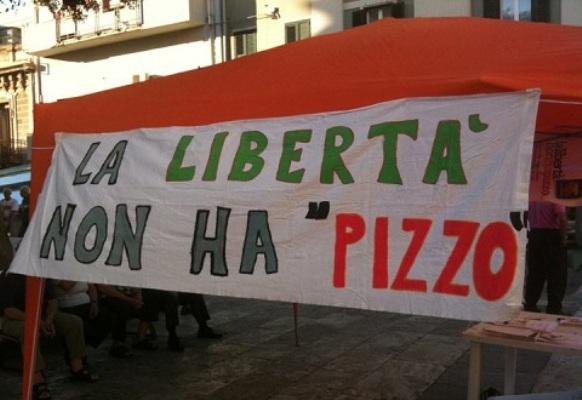 """Da domani """"Ariaperta"""" in piazza Plebiscito. L'iniziativa antiracket a Napoli"""