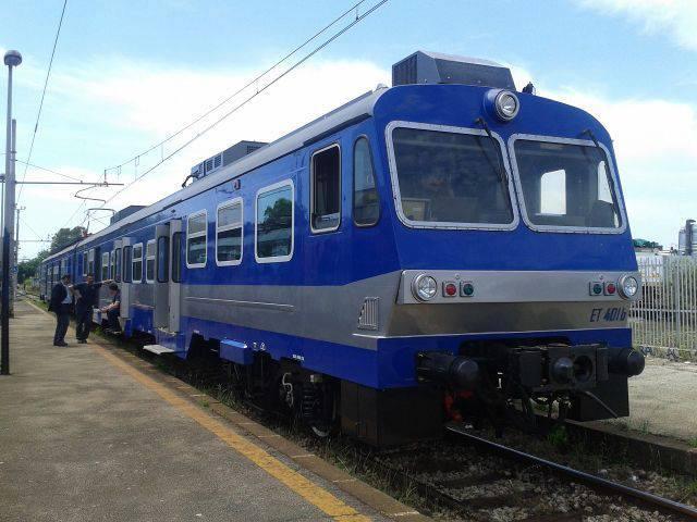 Regalo di Natale per i pendolari in Cumana: treno nuovo e tratta ripristinata