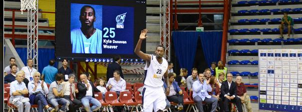 Basket, ruggito Napoli. A Brescia prima vittoria esterna della stagione