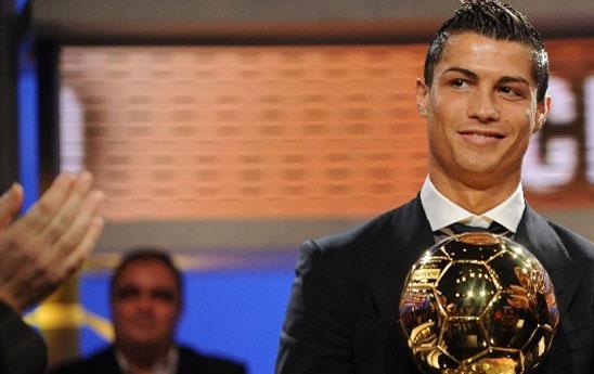 A Cristiano Ronaldo il Pallone d'oro 2013, CR7 batte in volata Messi e Ribery