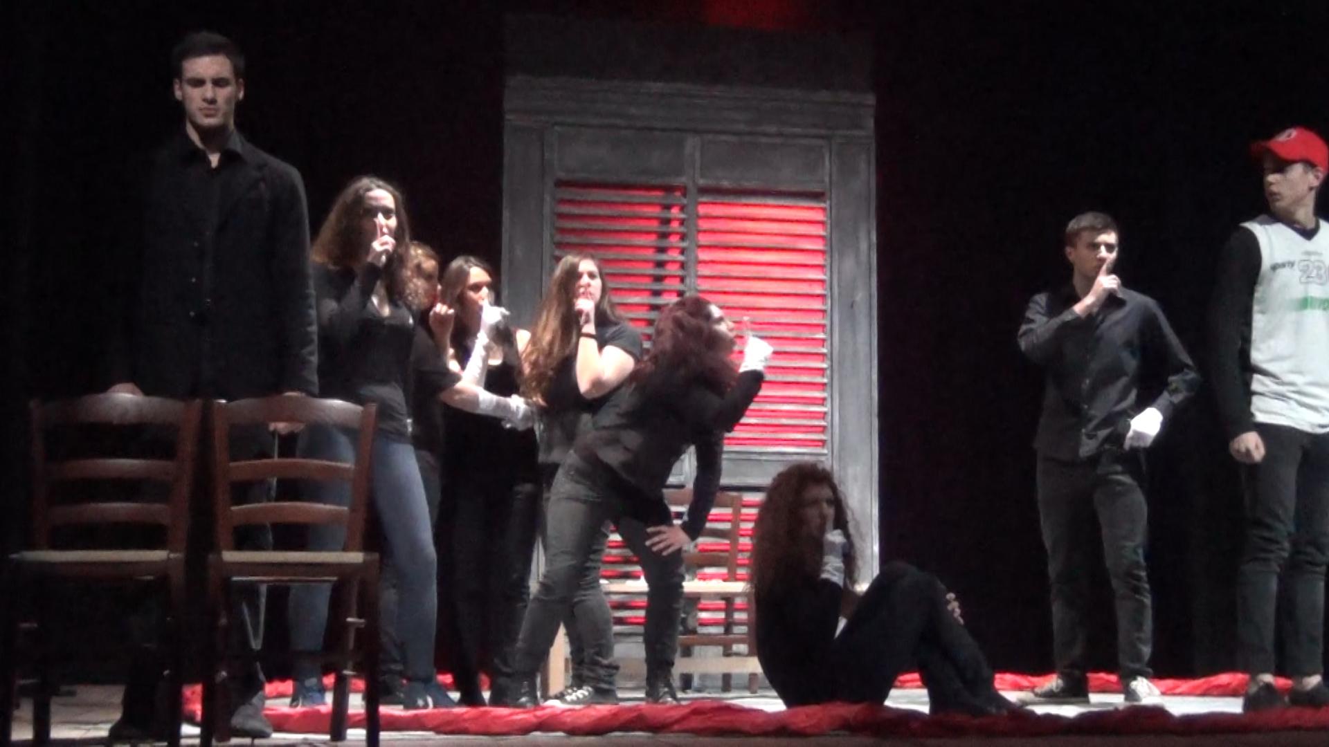 Silenzio stampa: i ragazzi di Ravenna portano la mafia a teatro (VIDEO)