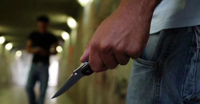 Rapina in stazione: identificati in tre, coinvolto un minorenne