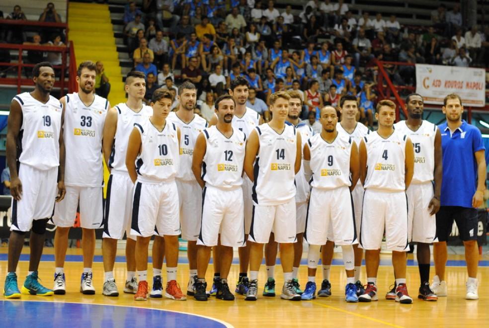 """Insieme a canestro: i comici di """"Made in Sud"""" sfidano l'Azzurro Napoli Basket"""