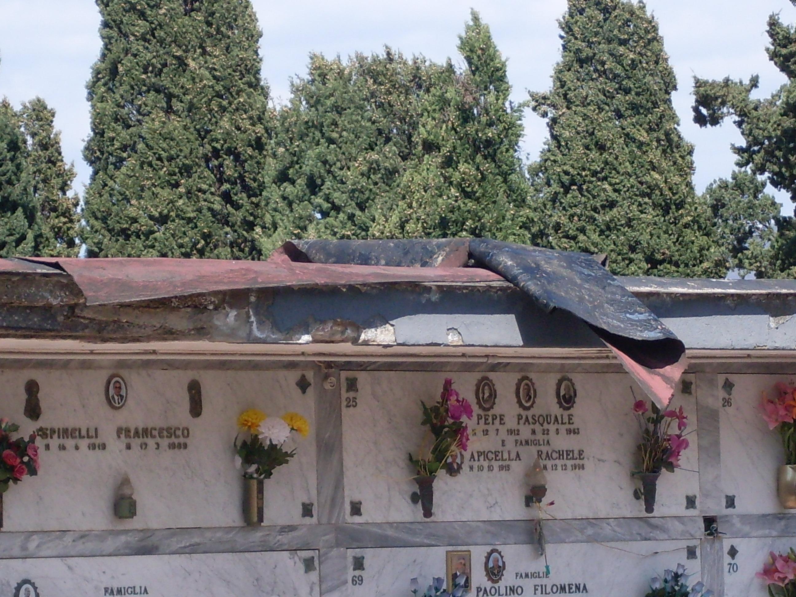 Scoperto un cimitero abusivo a Fuorigrotta