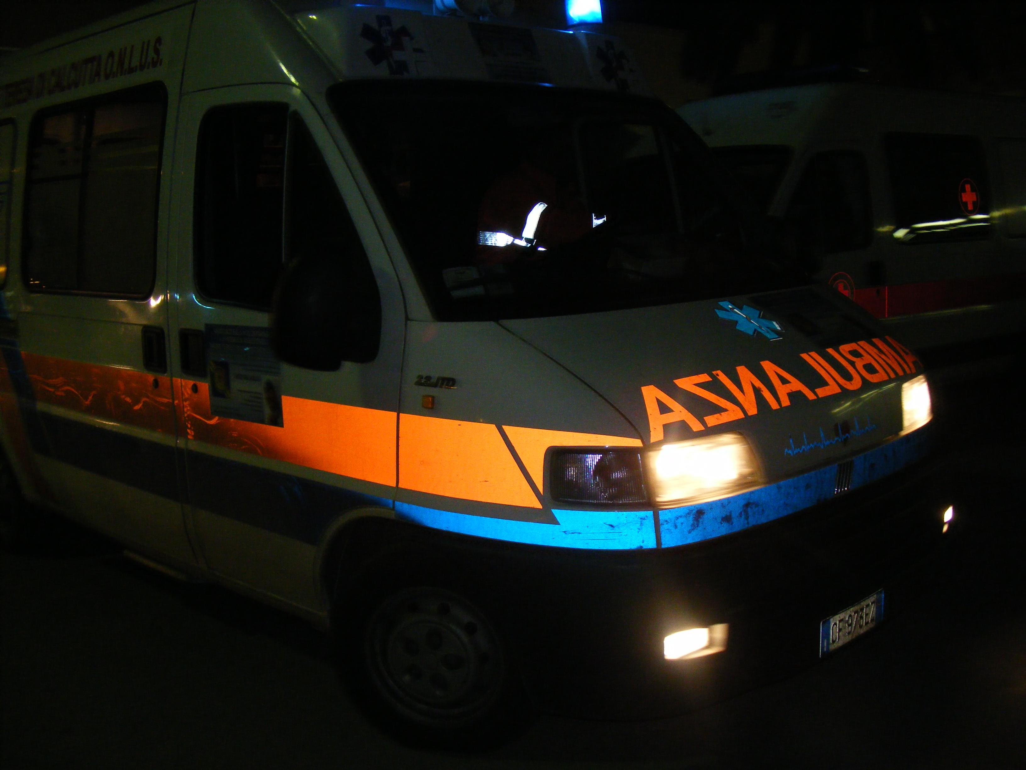 Morire a 18 anni di ritorno dal lavoro. La tragica storia di Emanuele, morto stanotte in un incidente stradale
