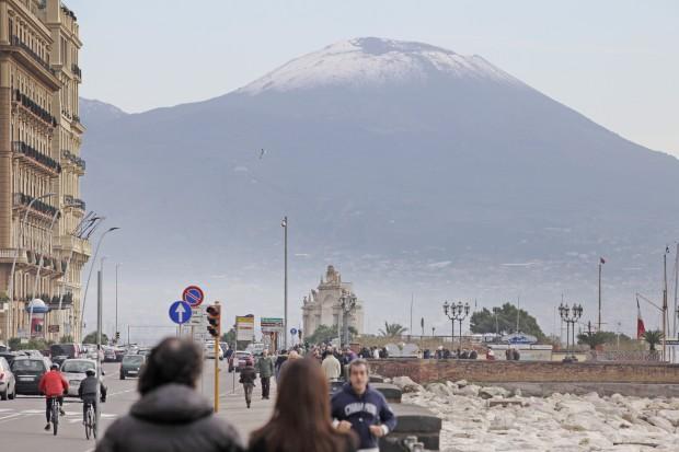 Maltempo e allagamenti, a Napoli è ancora allerta meteo