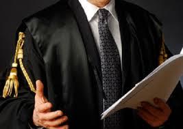 Crisi, ora anche gli avvocati si promuovono con dei volantini. Ecco quello apparso a Fuorigrotta (FOTO)